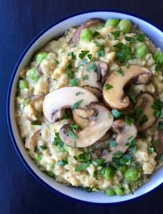 Vegan Risotto-Style Oats with Peas and Mushrooms