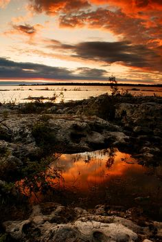 ✯ Tide pool on the shore of Lake Huron at sunset