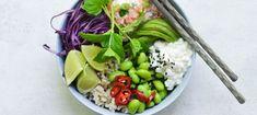 Poke Bowl med laksemousse og hytteost Poke Bowl, Cobb Salad, Poker, Acai Bowl, Potato Salad, Cabbage, Avocado, Cooking Recipes, Vegetables
