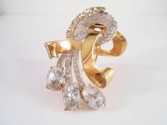 Coro Craft Sterling Rhinestone Curled Ribbon Fur Clip Brooch.