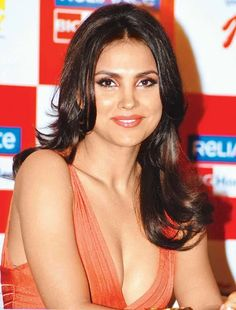 Bollywood Actress Lara Dutta Hot And Glams Photos