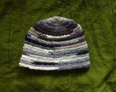 Viking multicoloured wool hat, nalbinding technic, by Crone Yhrm Crafts www.etsy.com/shop/CroneYhrmCrafts