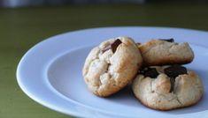 Biscuits aux deux chocolats un peu plus santé Biscuits, Cookies, Desserts, Food, Apple Jelly, Dates, Crack Crackers, Crack Crackers, Tailgate Desserts