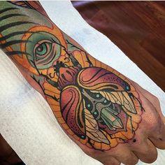 Fresco del tatuaje del escarabajo por Sam Clark                                                                                                                                                                                 More