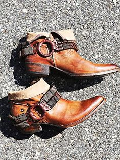Raylan Ankle Boot | Western style leather ankle boots with side zips and extreme holsters with hardware embellishments; removable for versatile styling.   *By Freebird by Steven