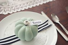 eighteen25: Painted Pumpkin Fall Table Setting