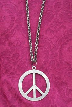Peace sign Necklace just like the old hippies by TheJunkyHippie