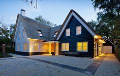karakteristieke duinvilla met sfeervol, passend interieur  Meer interieur-inspiratie? Kijk op Walhalla.com