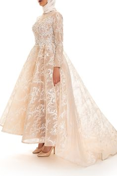 Find your dream evening and bridal designer dress among thousands of local and international options. Hijab Evening Dress, Prom Dresses Long With Sleeves, Hijab Dress, Long Skirt Fashion, Fashion Dresses, Dubai Wedding Dress, Long Tight Prom Dresses, Hijabi Gowns, Ideas Principales