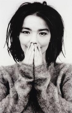 Björk Gudmundsdottir. Photo de Jean-Baptiste Mondino.
