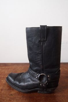 Mens Black Leather Boots USA size // by MonaBellsVintage Black Biker Boots, Black Leather Boots, Cowboy Boots, Vintage Clothing, Vintage Outfits, Riding Boots, Usa, Trending Outfits, Heels