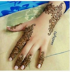 178 Simple and Unique Mehndi Designs for Hands Modern Mehndi Designs, Mehndi Design Pictures, Beautiful Mehndi Design, Arabic Mehndi Designs, Mehndi Patterns, Mehndi Designs For Hands, Mehndi Images, Arabic Henna, Mehandi Designs