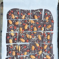 Salted chocolate almond bark - full of superfoods and most importantly, lots of chocolate too! Nutrition Bars, Kids Nutrition, Chocolate Almond Bark, Salted Chocolate, Healthy Treats, Yummy Treats, Sweet Treats, Yummy Food, Sweets