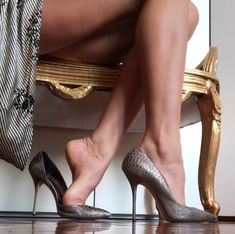 Whether it's summer time or even the winter season, in case there is something that we often don, it really i Beautiful High Heels, Gorgeous Feet, Beautiful Legs, Pantyhose Heels, Stockings Heels, Stockings Lingerie, Sexy Legs And Heels, Hot High Heels, Fashion Heels