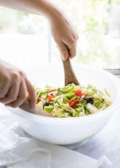 Antipasto Zoodle Sal