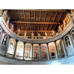 Wonderful gods and goddests inside the Renaissance theatre. #blogville #inLombardia - Instagram by snoopsmaus