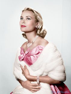 Grace Kelly | I aspire to this kind of elegance!