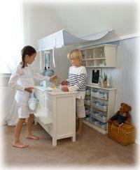 Yuyo's Kinderzeit bietet exklusive Kindermöbel - Kaufladen