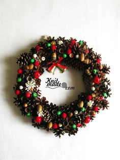 My florist work - New Year's wreath from cones, acorns and berries #knitmade #knitmadeflowers #knitmadenews #wreath #newyear #christmas