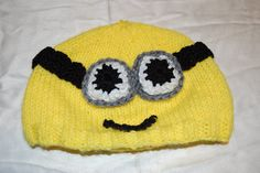 To start, I love, love, LOVE the minions from Despicable Me. I think it's an adorable movie and wanted a minion hat so badly. Cue new patte. Minion Crochet, Knit Or Crochet, Learn To Crochet, Crochet For Kids, Crochet Baby, Minion Hats, My Minion, Minions, Knitting Projects
