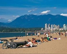 Kitsilano Beach (Kits Beach) Vancouver, British Columbia, Canada - 10 Best City Beaches in the World Vancouver Neighborhoods, Vancouver Chinatown, Vancouver Beach, Vancouver Island, Visit Vancouver, World Beautiful City, South Padre Island, Family Resorts, Alaska Cruise