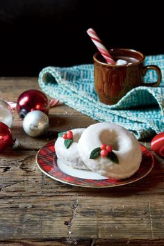 Enjoy Christmas morning with these make-ahead holiday brunch recipes that are perfect for a large group or family breakfast. From egg cas...