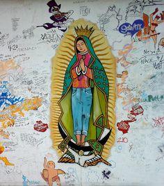 La Virgen de Guadalupe con jeans en street art