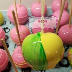 For sell today flavors. Look at the prettiness of this yellow and green. Gourmet Candy Apples, Baby Pineapple, Candy Bars, Dessert Bars, Summer Time, Party Time, Tropical, Treats, Yellow