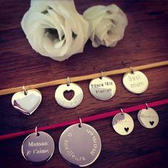Médailles pour créer vos bijoux personnalisés pour la fête des Mères - l'Atelier d'Amaya #bijoux #cadeau #gravure #fetedesmeres #maman