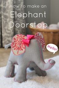 Cute Elephant Door Stop {Home Accessories} Have you ever seen a cuter door stop than the one found in this post? This elephant door stop is both cute and… Felt Crafts, Fabric Crafts, Sewing Crafts, Diy Crafts, Sewing Diy, Free Sewing, Sewing Tutorials, Sewing Hacks, Sewing Patterns