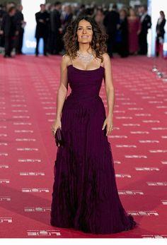 Лучшие вечерние платья, чьи обладательницы прошли по красным дорожкам различных фестивалей в 2012