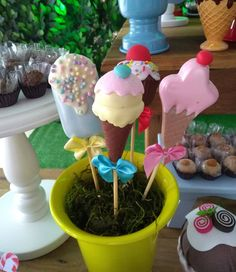 1, Cake, Desserts, Food, Candy Shop, Chocolate Pops, Natural Person, Log Projects, World