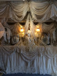Just heavenly lace. Antique Lace, Antique Shops, Vintage Lace, Antique Booth Displays, Vintage Display, Shabby Chic Cottage, Shabby Chic Decor, Wedding Draping, Shaby Chic