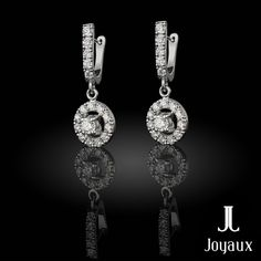 Diamond Dangle Earrings in 18k White Gold (approx. 1,45 ct. tw.) Diamond Dangle Earrings, Natural Gemstones, Pocket Watch, Dangles, White Gold, Jewelry Making, Accessories, Pocket Watches, Jewellery Making