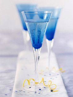Twinkling Ginger Champagne Punch -- pretty and festive!