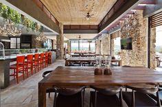 Ranch: Gorgeous House with Wooden Pergola for Decorative Outdoor Design - Hupehome Wooden Terrace, Wooden Pergola, Gazebos, Interior Architecture, Interior Design, Home Porch, Rustic Stone, Natural Interior, Pergola Lighting