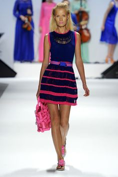 Spring/ love the cobalt and bright pink together. Color combination!