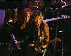 Bonnie Raitt and Melissa Etheridge, c. Bonnie Raitt, Love The 90s, Jackson Browne, Her Music, Rolling Stones, Celebrity Crush, Country Music, Lgbt, Indie