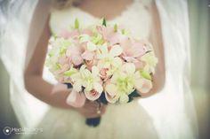 O romantismo do casamento de Nayara e Breno http://www.blogdocasamento.com.br/nayara-e-breno-aguardando-nayara/