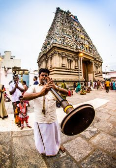 Traditional Tamil wind instrument, being played at the Kapaleeswarar temple in Chennai, India  http://en.wikipedia.org/wiki/Nadaswaram