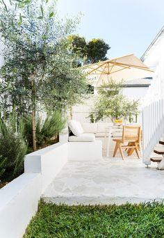 Outdoor Tiles, Outdoor Spaces, Outdoor Living, Outdoor Decor, Greenhouse Interiors, Backyard Makeover, House And Home Magazine, Palm Springs, Outdoor Gardens