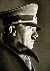 La fine di Hitler, esperti occidentali possono finalmente sottoporre ad analisi il frammento del cranio del dittatore. Sorpresa, è di una donna!