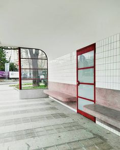 Čekáme... . #obilnitrh #architecture #brno #architektura #tramstop #funkcionalismus #oskarporiska #kulturnipamatka #functionalism #architettura Stairs, Home Decor, Stairway, Decoration Home, Room Decor, Staircases, Home Interior Design, Ladders, Home Decoration