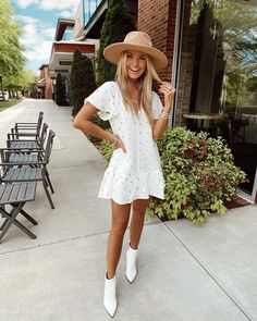 White spring and summer dressed with white leather booties and tan beach floppy hat for spring style / White Dress Outfit, Cute White Dress, Summer Dress Outfits, White Dress Summer, The Dress, Spring Outfits, Outfit Work, White Dress Casual, Outfit Ideas