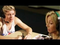 Niall From One Direction Flirts With Kristin--oh my gosh when he kisses her hand, i can not handle it!! Niall i love you:)