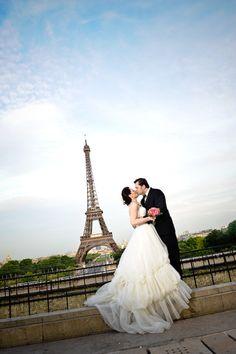 Elope to Paris! Via Inweddingdress.com #weddingdresses