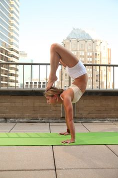 Handstand Scorpion Pose by Jessica Rizzolo » Yoga Pose Weekly