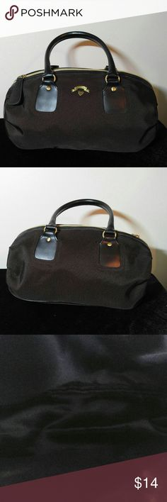 Victoria Secret Handbag Victoria Secret Handbag EXCELLENT CONDITION! 13 X 8 with a 6 in drop Victoria's Secret Bags