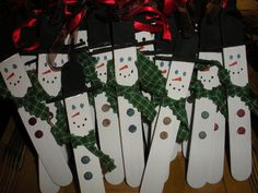 made these little snowmen for the teachers at Shepard's Way. Supplies - tongue depressors, thick craft toothpicks for hat, acrylic p. Christmas Paintings, Kids Christmas, Christmas Crafts, Christmas Ornaments, Craft Stick Projects, Craft Stick Crafts, Craft Ideas, Kid Crafts, Art Projects