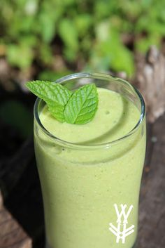 Mango Mint Smoothie recipe.. This is my new favorite smoothie with my Strawberry Shakeology! If you are interested in ordering Shakeology and transforming your health one meal at a time, contact me: http://myshakeology.com/katelynalfano
